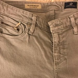 Size 27R AG Gray Skinny Jeans